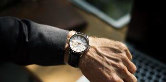 Odpowiedni zegarek do pracy w biurze